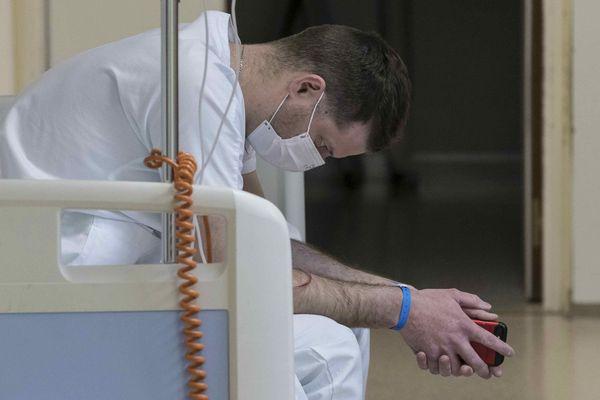 Au service des urgences de l'hôpital Louis Pasteur à Colmar.