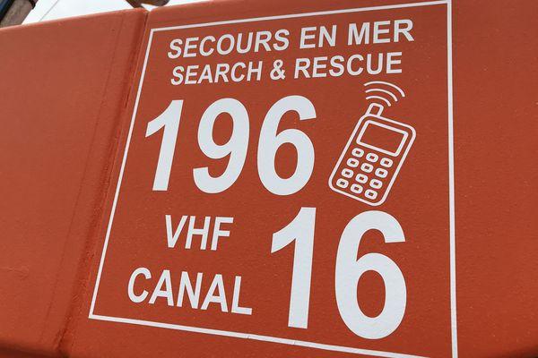 Les numéros d'appel pour les secours en mer : 196 depuis un portable, canal 16 à la VHF