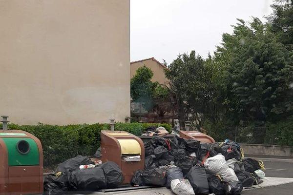Conséquence de la grève des éboueurs à Castres.