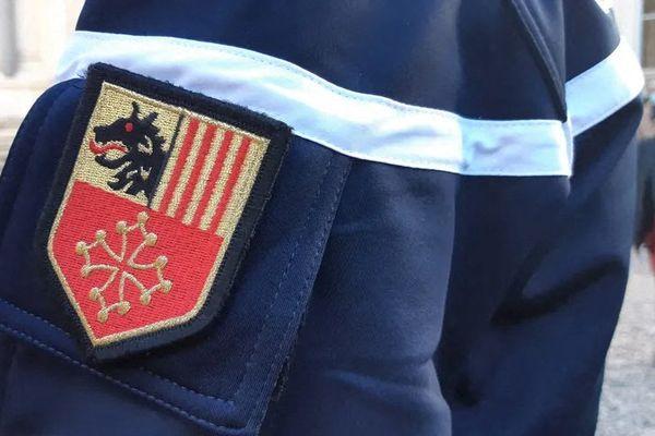 La gendarmerie du Gard est mobilisée sur les axes proches de l'Ardèche pour intercepter le fugitif, suspecté d'avoir tué son père et blessé sa mère dans la nuit de mardi 1er à mercredi 2 juin 2021.
