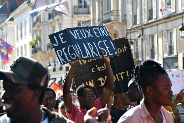 En août dernier, des mineurs isolés manifestaient à Orléans.