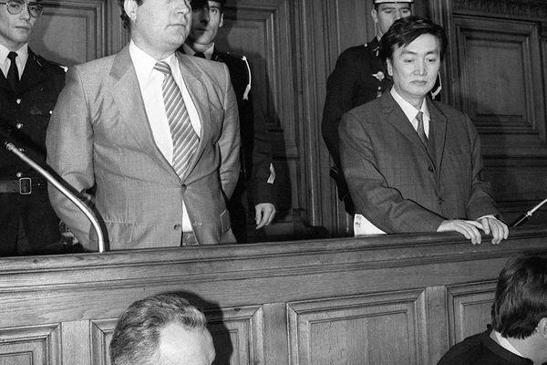 Bernard Boursicot et Shi Peipu  pendant leur procès en France en 1987.