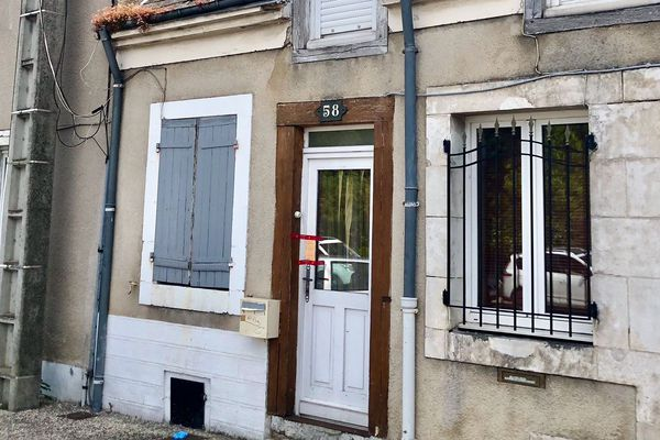 La maison est située avenue Marcel-Lemoine
