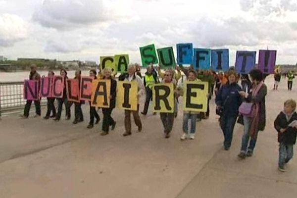 Manisfestation anti-nucléaire à Bordeaux (14/1002012)