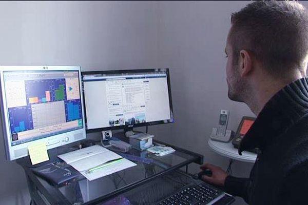 Christophe Coynault, météorologue amateur à La Rochelle.