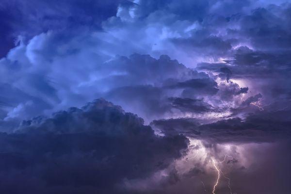 Les orages quittent l'Auvergne-Rhône-Alpes après une nuit agitée, ponctuée de dégâts dans certains départements. Photo d'illustration.