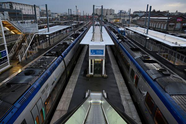Lundi 13 janvier, la circulation des TER et des TGV s'améliore en région Auvergne-Rhône-Alpes.