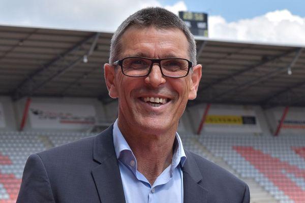 Jean-Louis Garcia devient le nouvel entraîneur de l'ASNL. Ancien joueur du club de Nancy, le coach revient aux sources.