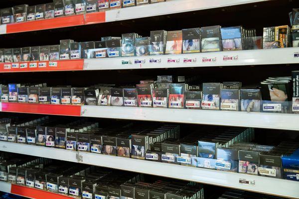 Les Azuréens qui achètent leurs cigarettes en Italie ne pourront plus ramener qu'une cartouche au lieu de 4.
