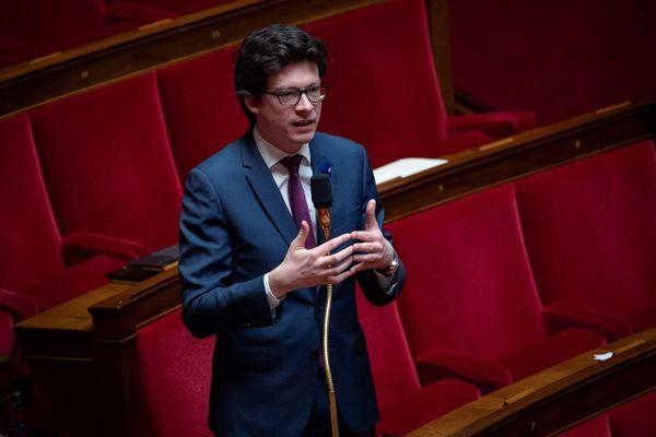Le député LR de la 7ème circonscription du Pas-de-Calais en mai 2020, à l'Assemblée Nationale.