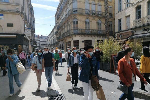 """""""Attention, il n'est pas question d'enlever le masque en ville et dans les communes en toute circonstance,"""" prévient la Préfecture de l'Hérault"""