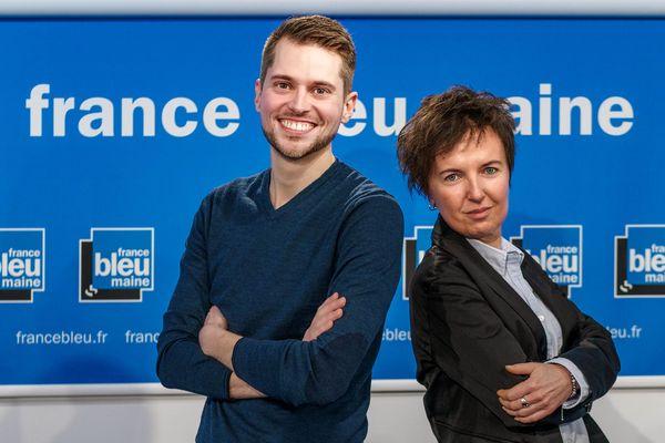 L'animateur Mathieu Doucet et la journaliste Christelle Caillot aux micros de la matinale de France Bleu Maine !
