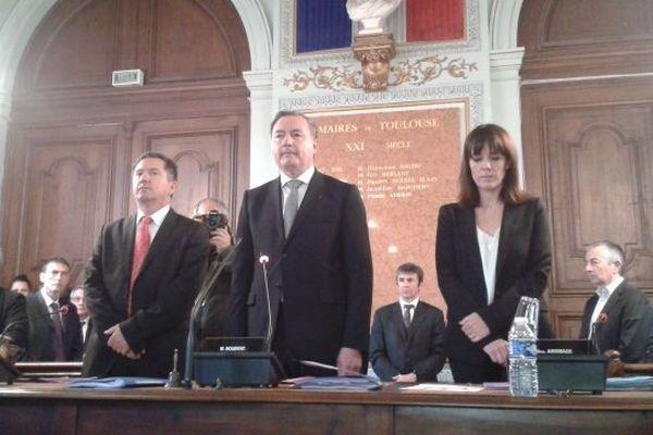 Le conseil municipal de Toulouse a observé une minute de silence au lendemain de la mort de Dominique Baudis
