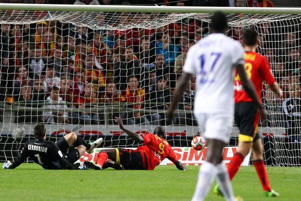 Coulibaly a ouvert le score pour Lens en profitant d'une erreur du gardien de Créteil.
