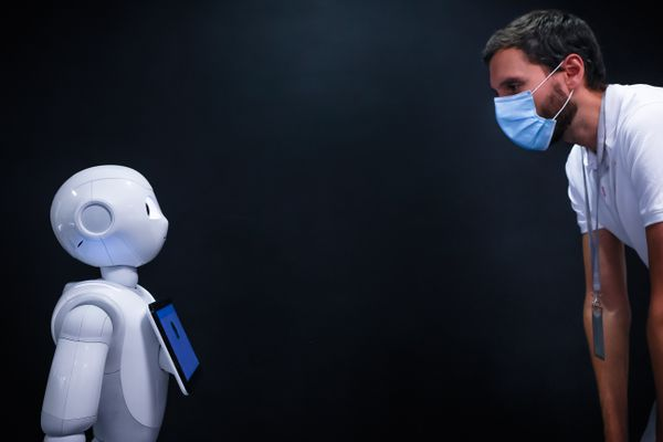 Le robot, programmé par l'homme, et dédié à des tâches définies. Jusqu'à quand ?