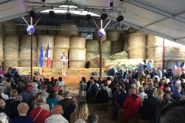 L'avenir du monde rural et agricole en question, autour de Guillaume Peltier.