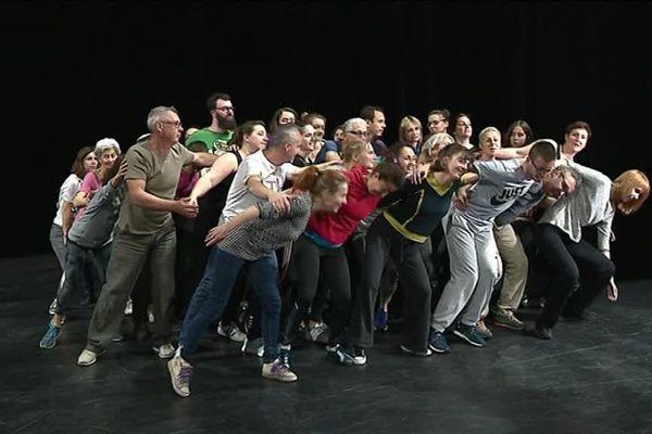 La troupe de danseurs amateurs qui se produira le 23 juin 2018 à Chalon-sur-Saône
