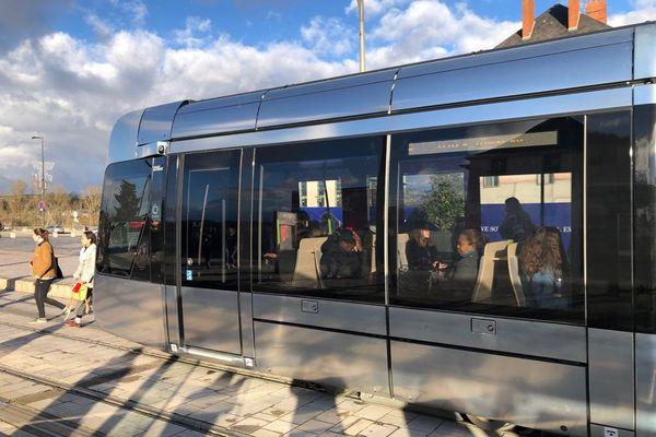 Tramway Fil Bleu à Tours