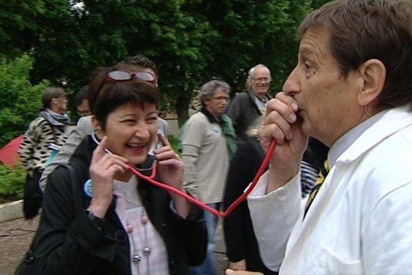 """Le """"Dr"""" Bojko en pleine consultation poétique"""