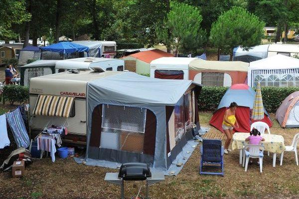 Lors d'un exercice, en quelques minutes le camping doit être évacué.