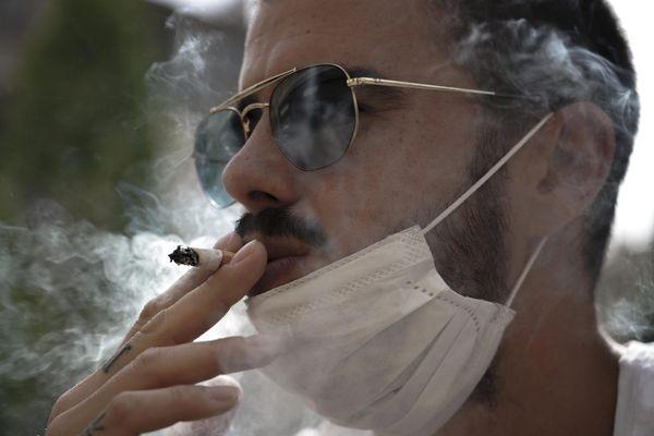 49% des personnes suivies pour des addictions ont augmenté leur consommation de tabac pendant la crise sanitaire.