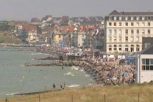 Plage de Wimereux, à marée haute dimanche 21 juillet midi