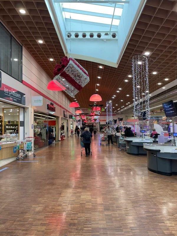 Une vingtaine de boutiques composent la galerie commerçante du Cora Dorlisheim