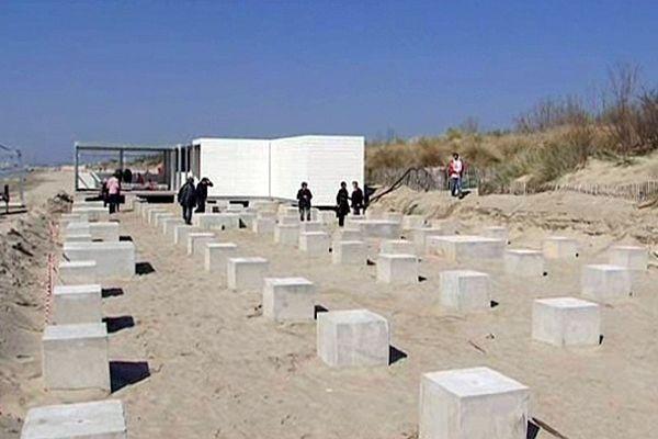 La Grande-Motte (Hérault) - aménagement du littoral pour l'installation d'un restaurant de plage temporaire - 3 avril 2013.