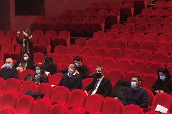 Dans la salle, Louis Pozzo di Borgo, président de la CAB, et Pierre Savelli, maire de Bastia (au centre)