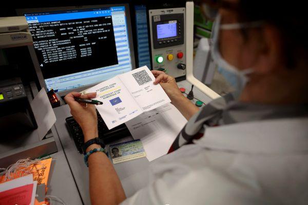 Le contrôle du pass sanitaire européen est déjà entré en vigueur depuis le 1er juillet 2021