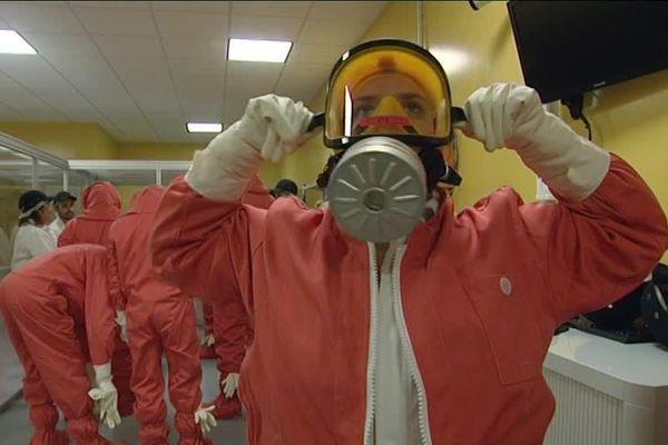 Un stagiaire du centre de formation des professionnels du nucléaire à Equeurdreville