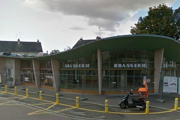L'édifice abritait une brasserie. Crédit : Google.