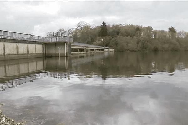 Le barrage de la Cantache à Champeaux (35)