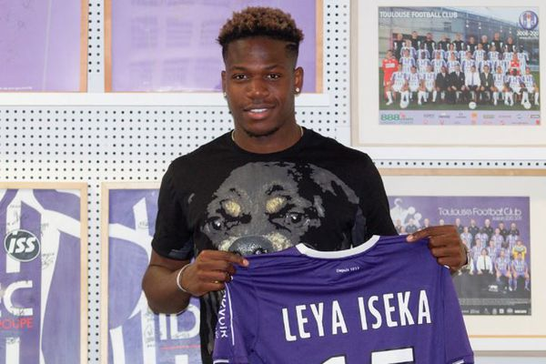 L'attaquant international espoir Belge Aaron Lesa Iyeka nouvelle recrue du Toulouse Football Club