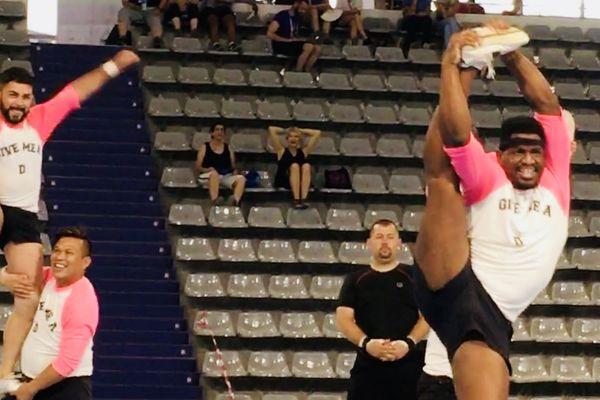 Les équipes mixtes de cheerleader viennent tout juste d'être acceptées par la Ligue de Football américain