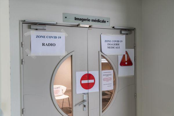 Douze soignants du service de néphrologie, contaminés par le Covid-19, selon un communiqué du Centre Hospitalier de Bourg-en-Bresse dans l'Ain, le 7 octobre 2020. Photo d'illustration.