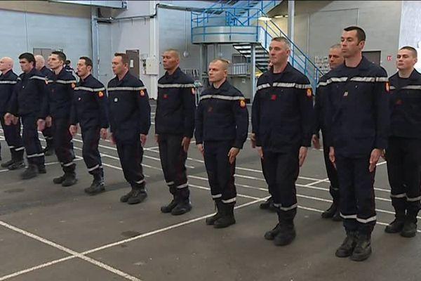 Les pompiers de la section Dijon Est s'entraînent pour le défilé du 14 juillet
