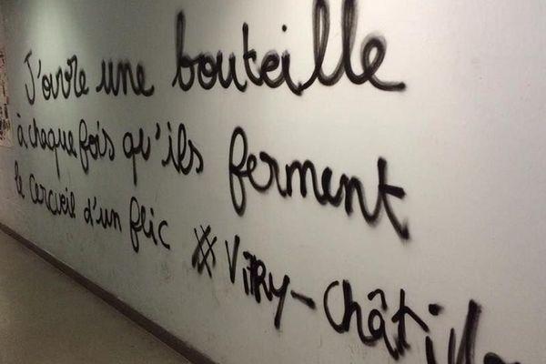 Un des tags antipolice découverts mardi 11 octobre à l'intérieur de l'université Paris 1 Panthéon-Sorbonne.