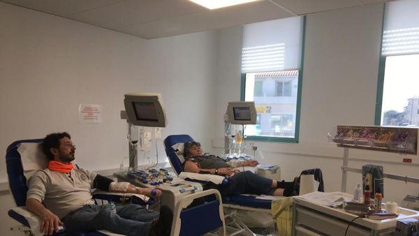 La maison du don de Perpignan dans les Pyrénées-Orientales accueille ceux qui souhaitent donner leur sang, tout en respectant les mesures barrières contre le Covid-19.