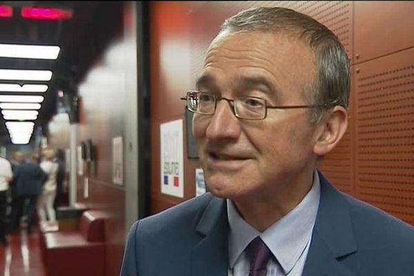 Le maire de Crest fait une pause politique. Il reste néanmoins président de la Fédération de la Drôme des LR