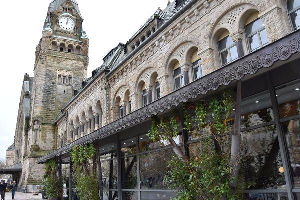 La plus belle gare de France semble inviter les touristes à venir découvrir Metz.