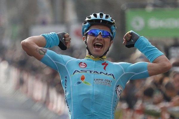 Le Kazakh Alexei Lutsenko (Astana), un ancien champion du monde espoirs, a remporté en solitaire la 5e étape de Paris-Nice.