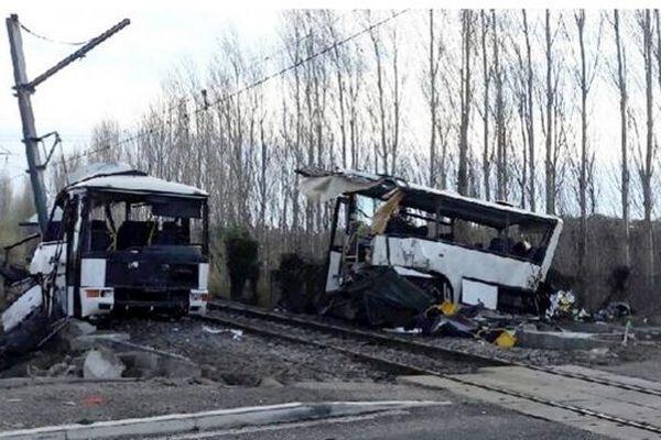 Le car scolaire, entré en collision avec un TER à Millas le 14 décembre 2017,a provoqué la mort de six collégiens.