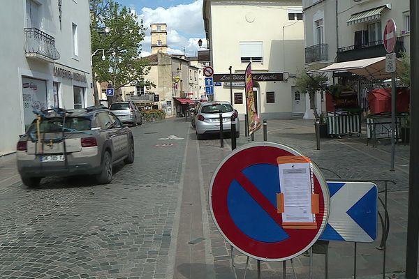 A Mauguio, interdiction de stationner Grand Rue Frédéric Mitterrand  à partir du 3 mai 2021.