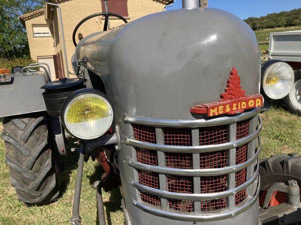 Un tracteur Douge Messidor (coll Imbert)