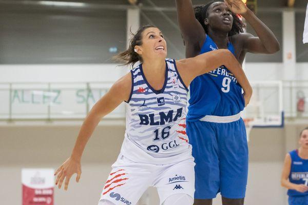 Helena Ciuak, en blanc sur la photo, fait partie des cinq filles sélectionnées pour participer à la coupe d'Europe 2019 - avril 2018