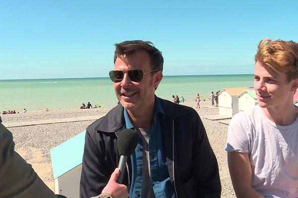 """François Ozon et Félix Lefebvre ont répondu aux questions de France 3 Normandie pour la sortie du film """"Été 85"""" qui se déroule au Tréport (Seine-Maritime)."""