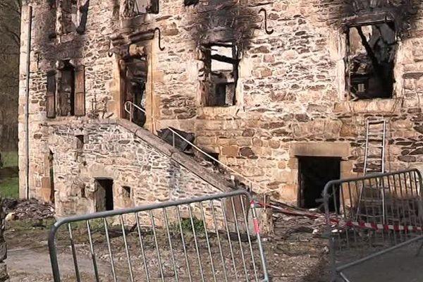 Moulin de Badaroux, en Lozère complètement ravagé par les flammes -16 avril 2018