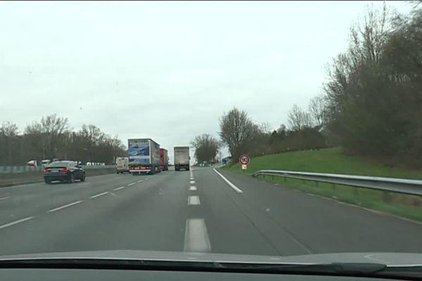 C'est sur l'aire de repos de Survilliers sur l'A1 dans l'Oise que les 9 migrants ont été découverts dans un camion (photo d'illustration).