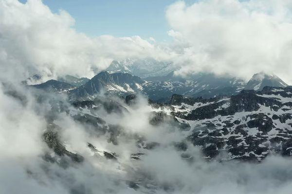Le photographe Yannick Legodec a durant trois ans archivé toutes ses images vidéos des Pyrénées afin d'en réaliser un montage de près de 7 minutes.